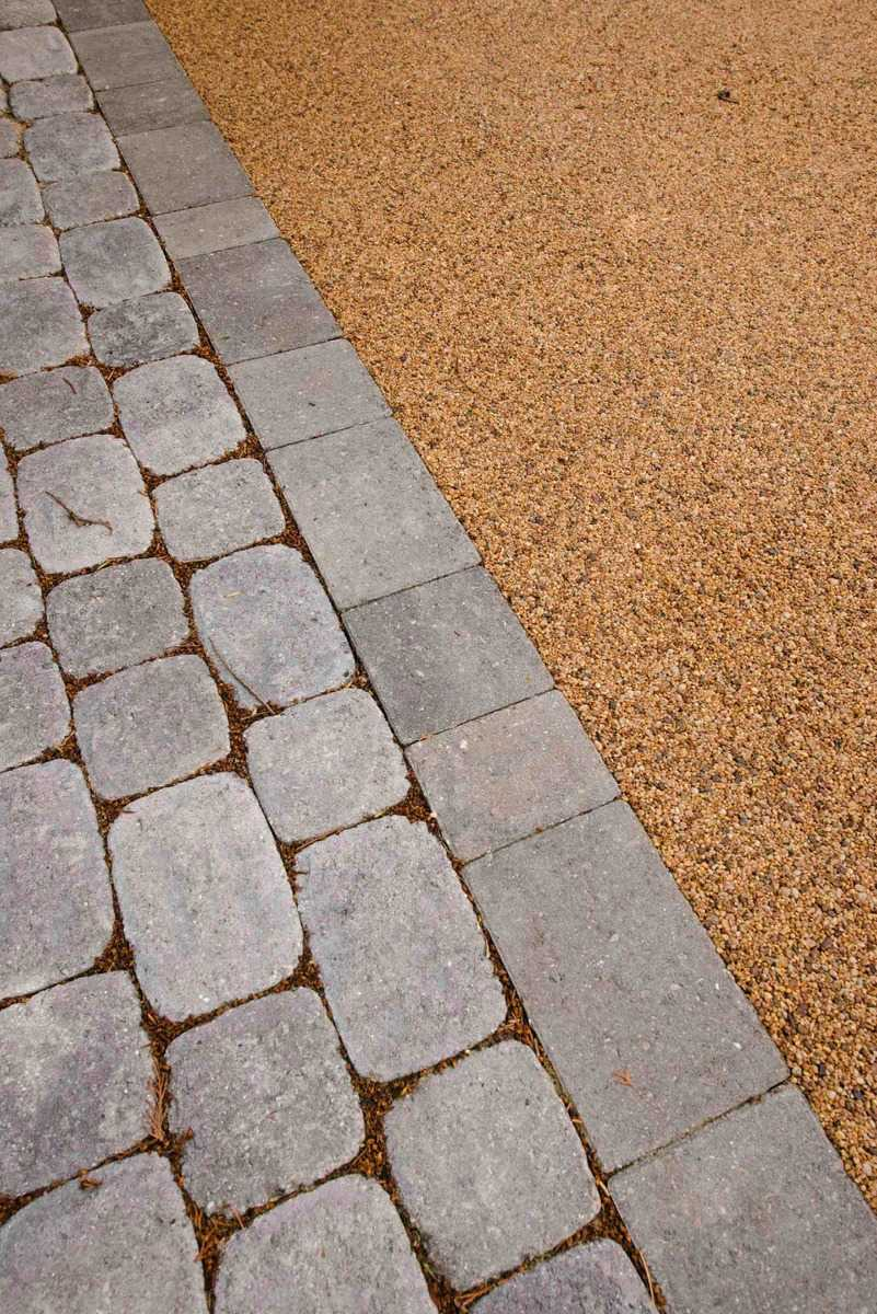 Driveway with Golden Glow Resin and Block Edging