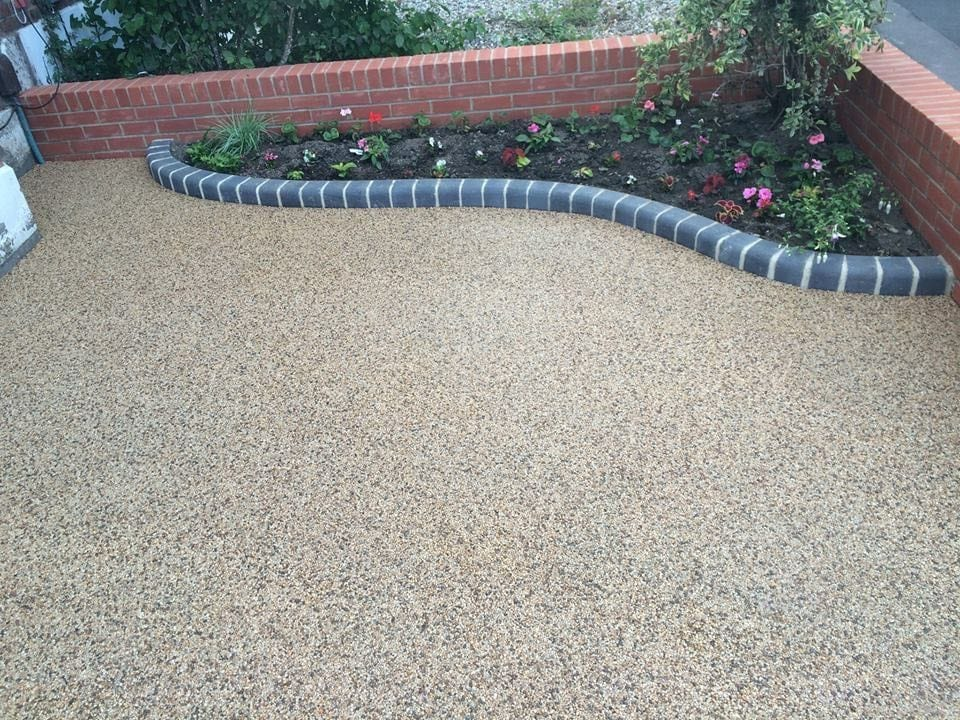Resin Bound Driveway by Diamond Services